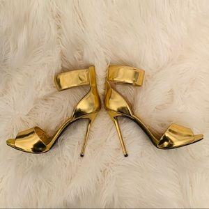 Giuseppe Zanotti Gold Pumps